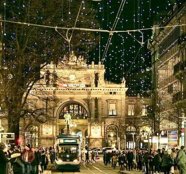 """""""Lucy"""" in the sky, over the Bahnhofstrasse"""